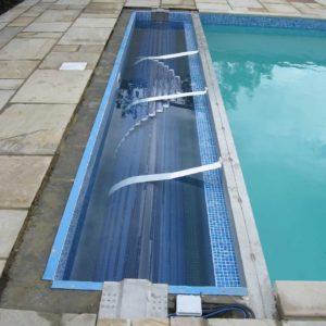 pooldeck-wet-pit-with-beam-transparent-slats-hanging-brackets